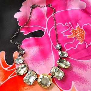Jewelry - Chunky jewel necklace 😍